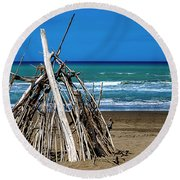Beach With Wooden Tent - Spiaggia Con Tenda Di Legno Round Beach Towel