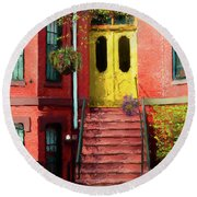 Beantown Brownstone With Yellow Doors Round Beach Towel