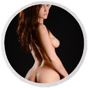 Beautiful Figure Round Beach Towel