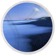 Beautiful Kekerengu Bay, New Zealand Round Beach Towel