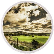 Beauty In Plain Contrast Round Beach Towel