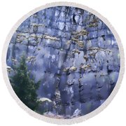Beauty Of The Gorge Round Beach Towel by Dale Stillman