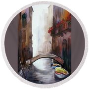 Beauty Of Venice Canals Round Beach Towel