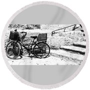 Bicyle In Cuitadella Round Beach Towel