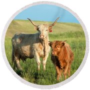 Big Horn, Little Horn Round Beach Towel