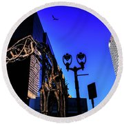 Big Piney Sculpture In Downtown Milwaukee Round Beach Towel