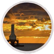 Big Water Sunrise V Round Beach Towel