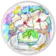 Big White Flowers Round Beach Towel