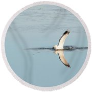 Bird Catching A Fish Round Beach Towel