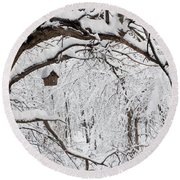 Bird House In Snow Round Beach Towel