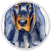 Black And Tan Coonhound Dog Round Beach Towel