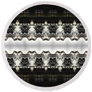 Black And White Design Round Beach Towel