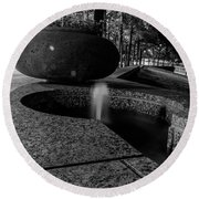Black And White Fountain Round Beach Towel