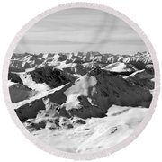 Black And White Of The Summit Of Mount Elbert Colorado In Winter Round Beach Towel