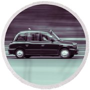 Black Taxi Bw Blur Round Beach Towel