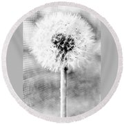 Blowing In The Wind Pencil Effect Round Beach Towel