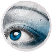 Blue Female Eye Macro With Artistic Make-up Round Beach Towel