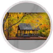 Blue Heron Park In The Fall Round Beach Towel
