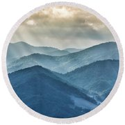 Blue Ridge Sunset Rays Round Beach Towel