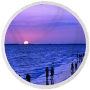 Blue Sunset On The Gulf Of Mexico At Fort Myers Beach In Florida Round Beach Towel