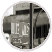 Blues Alley Street Sign Round Beach Towel
