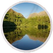 Blues Skies In Glencoe Round Beach Towel