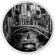 Boat On The River-bw Round Beach Towel