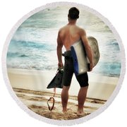 Boggie Boarder At Waimea Bay Round Beach Towel