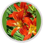 Bold And Beautiful Lilies Round Beach Towel