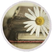 Round Beach Towel featuring the photograph Bookmarked by Amy Weiss