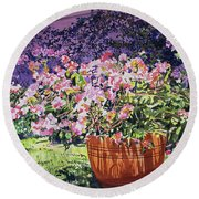 Bougainvillea Flower Pots Beverly Hills Round Beach Towel