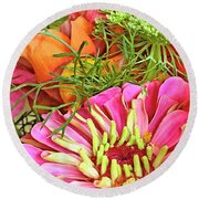 Bouquet Parfait Round Beach Towel