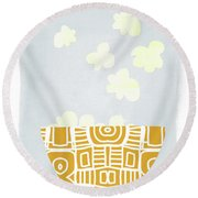 Bowl Of Popcorn- Art By Linda Woods Round Beach Towel