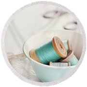 Bowl Of Vintage Spools Of Thread Round Beach Towel