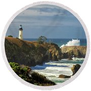 Breaking Waves At Yaquina Head Lighthouse Round Beach Towel