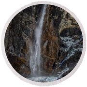 Bridal Veil Falls On Ice Round Beach Towel