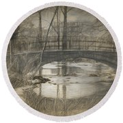 Bridge At The Fens Round Beach Towel