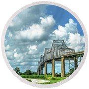 Bridge Over Mississippi River Round Beach Towel