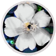 Bright Blue Accents White Vinca Round Beach Towel