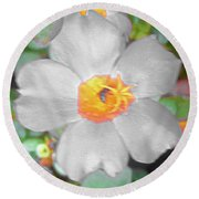 Bright White Vinca With Soft Green Round Beach Towel