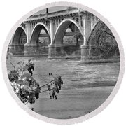 Gervais Street Bridge Black And White Round Beach Towel