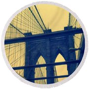 New York City's Famous Brooklyn Bridge Round Beach Towel