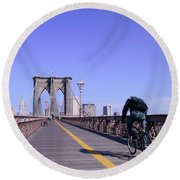 Brooklyn Bridge Bicyclist Round Beach Towel