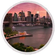 Brooklyn Bridge Over New York Skyline At Sunset Round Beach Towel