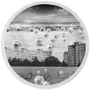 Bubbles And The City Round Beach Towel