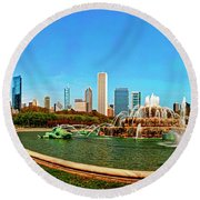 Round Beach Towel featuring the photograph Buckingham Fountain Chicago Grant Park by Tom Jelen