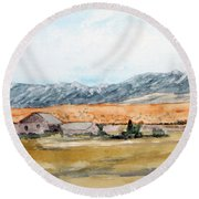 Buildings On A Colorado Ranch With Mountain Landscape Round Beach Towel by R Kyllo