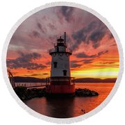 Burn On The Hudson Round Beach Towel