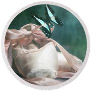 Butterfly And Ballerina Pointe Shoes Round Beach Towel