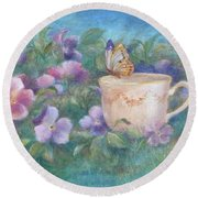 Butterfly On Teacup Round Beach Towel